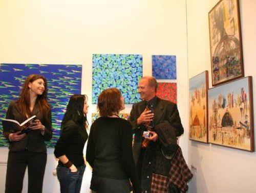Roberto  Perotti  nello  stand  di  Satura  foto  ambrosi